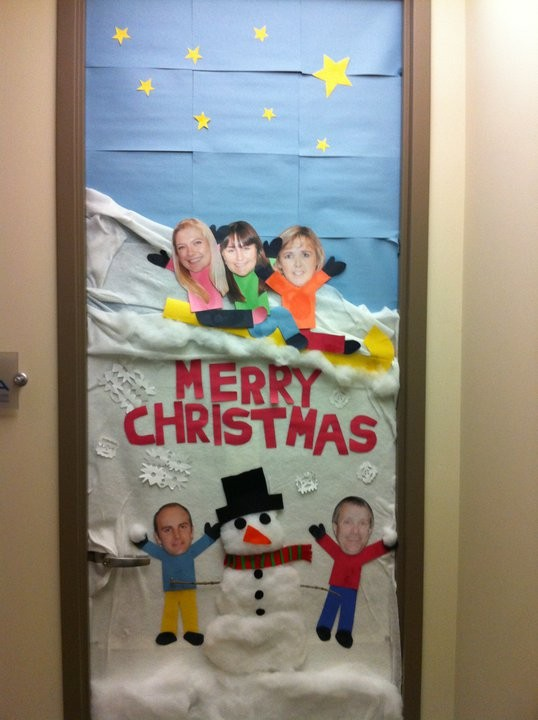 Holiday door decorating happy or hungry
