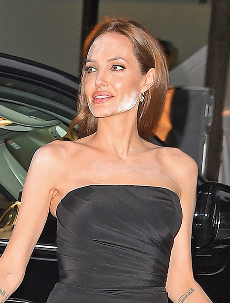 1400266677_angelina-yahoo-article